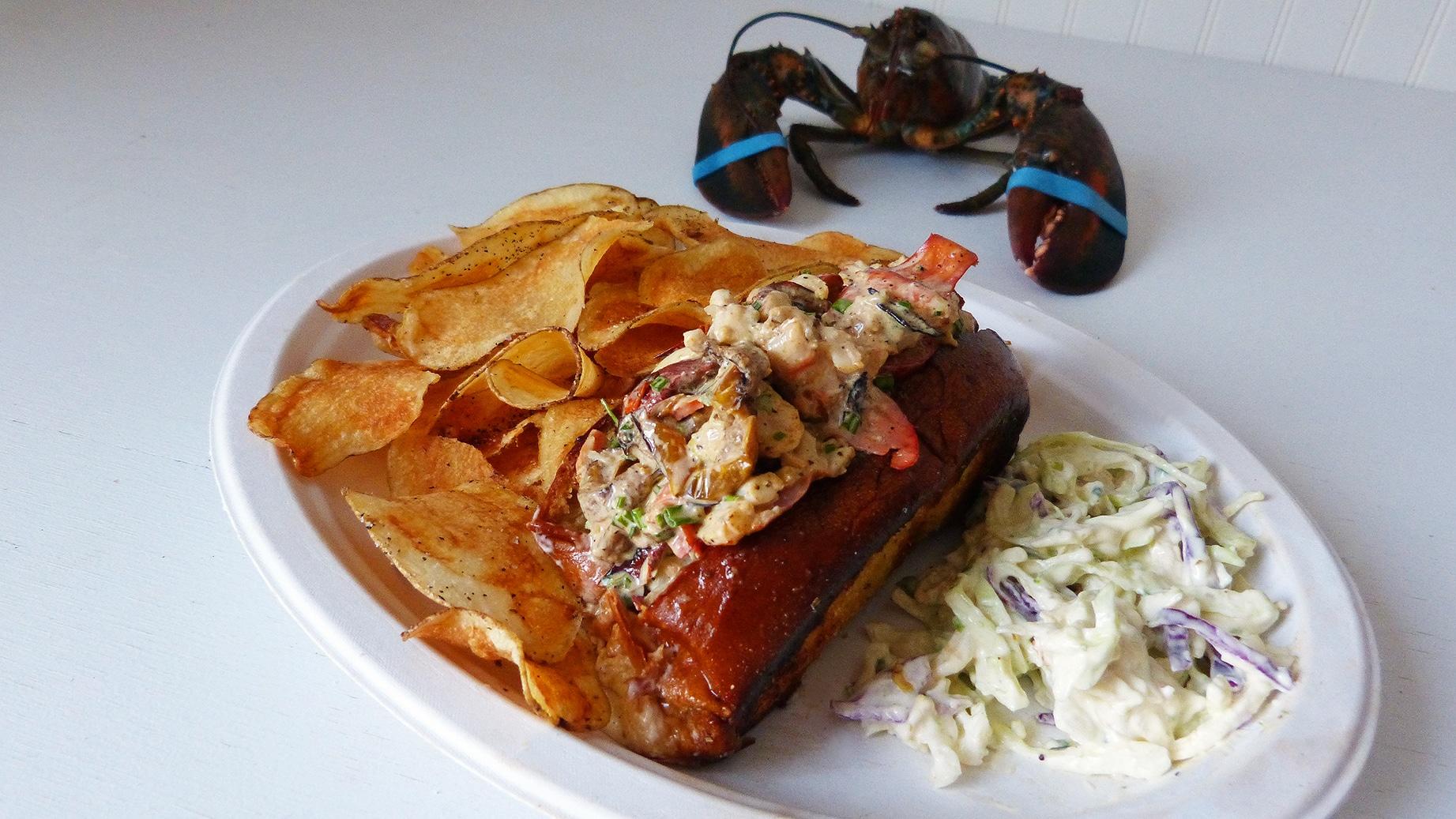 Lobsterfactory-cajun_lobster_roll5